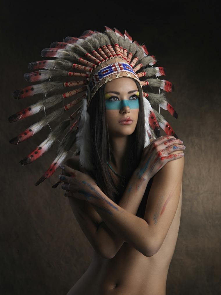 maquillaje de ojos-indigena-plumas