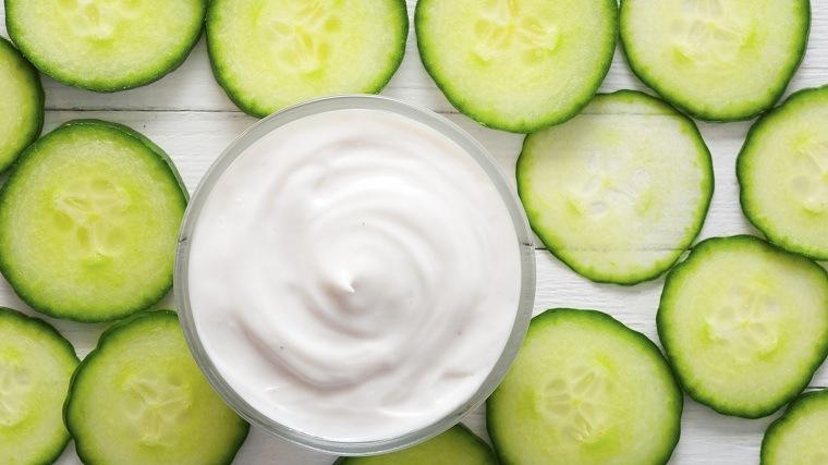 mascarillas-caseras-para-la-cara-pepino-yogurt