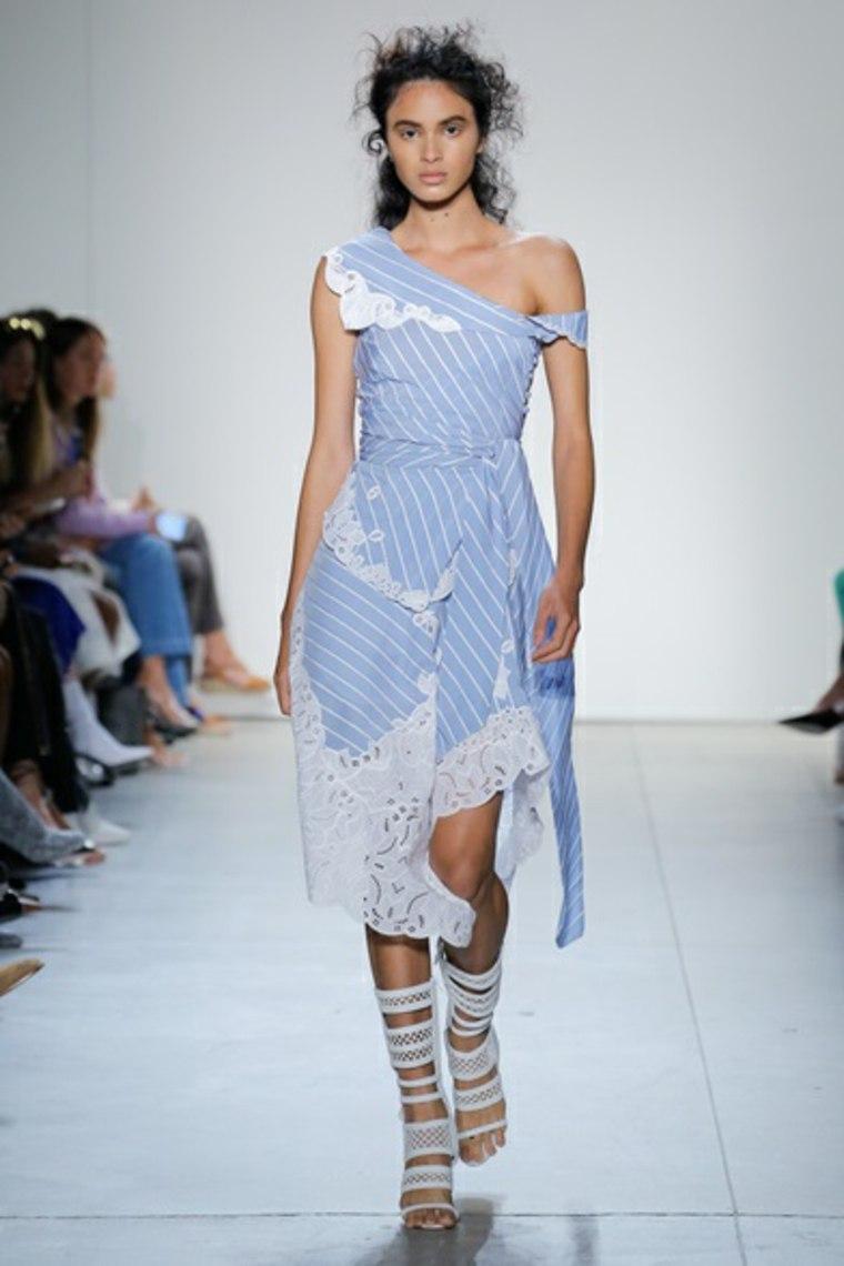 moda para mujer-colores-ideas-azul-cielo-detalle-blanco