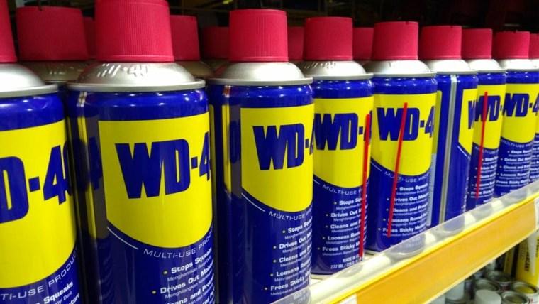 mostrador-lleno-de-wd40