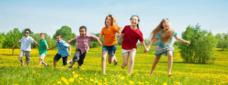 niños-felices-corriendo