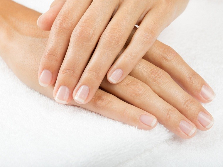 pasta-de-dientes-usos-increibles-manos