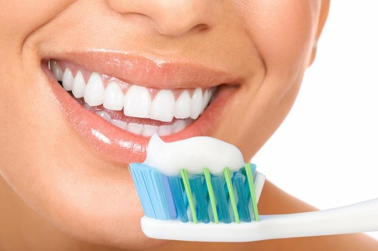 pasta dental-casera-blancqueador-higiene-bucal-sonrisa