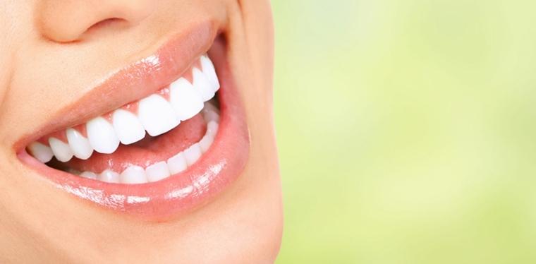 pasta dental-casera-blancqueador-sonrisa-bella