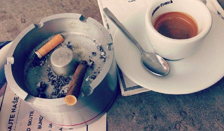 pasta dental-dientes-blanqueamiento-cafe-cigarillos