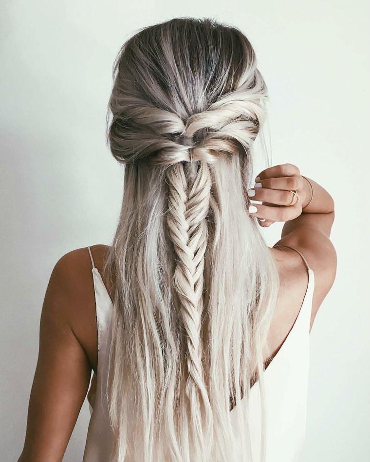 peinados lindos y faciles-pelo-largo-playa
