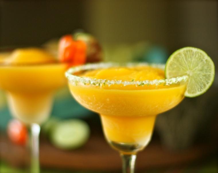 recetas de bebidas-alcohol-pina-margarita