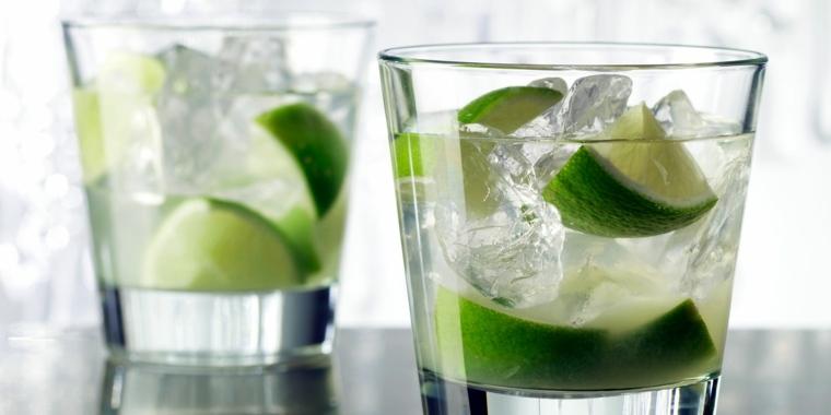 recetas de bebidas-alcoholicas-caipirinha-brasilena