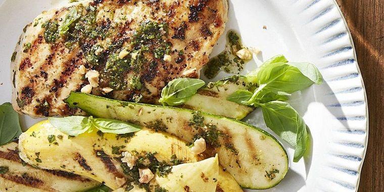 recetas rápidas-pollo-pesto-calabacines-parilla