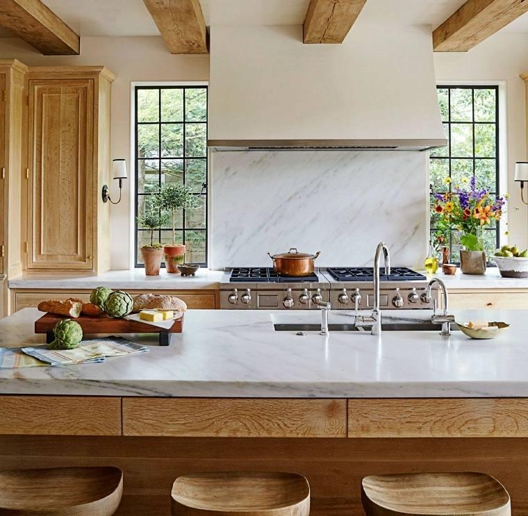 salpicadero-marmol-detalles-madera-estufa-cocina