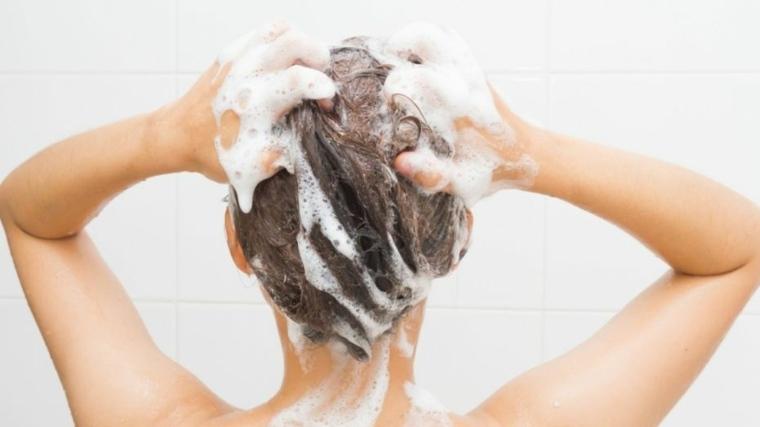 shampoo natural-casero-combatir-caspa