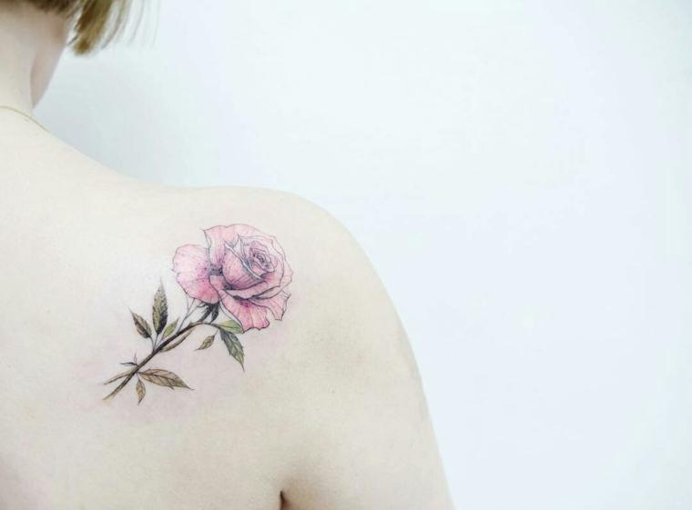 tatuajes discretos-mujeres-flores