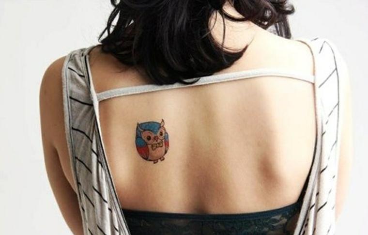 tatuajes discretos y bonitos-mujeres-buhos