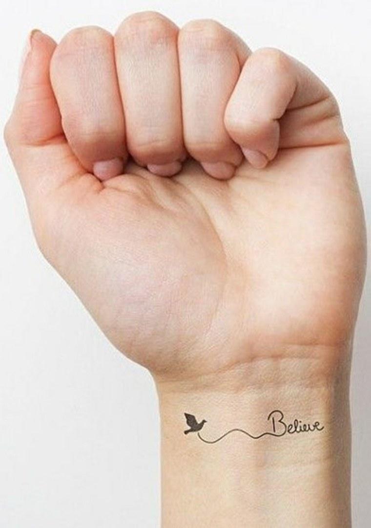 tatuajes pequeños para mujer fe