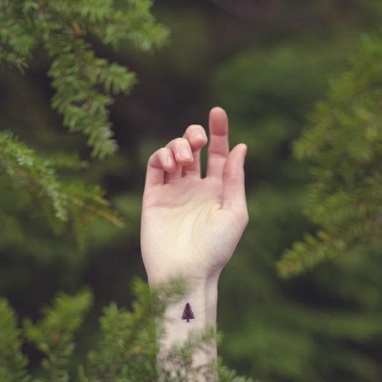 tatuajes-pequeños-pino