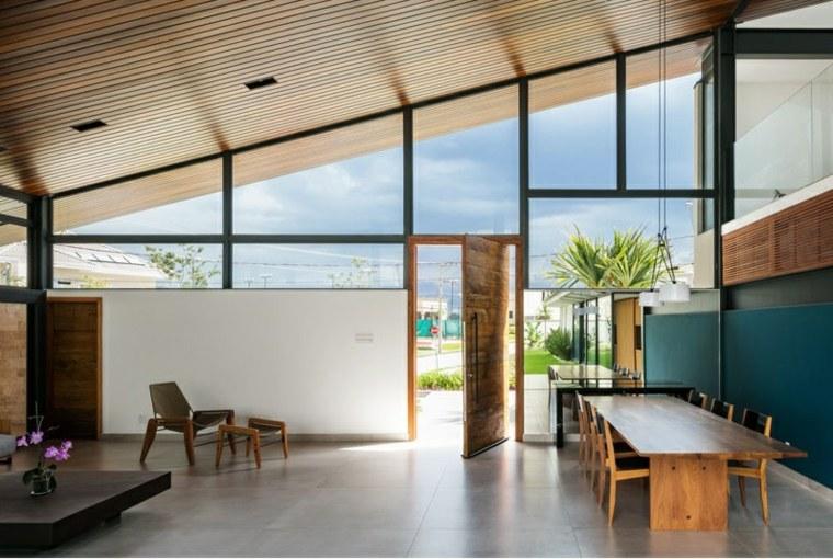 techo madera tratada clara