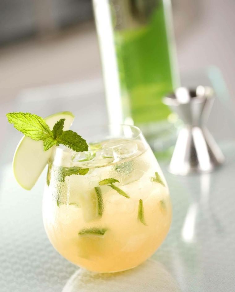 tipos de bebidas-verano-manzana