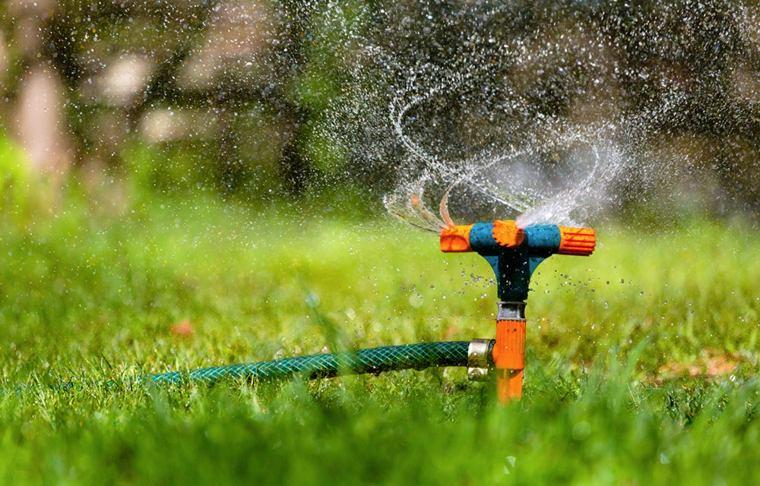 tipos de sistemas-automaticos-regar-jardines