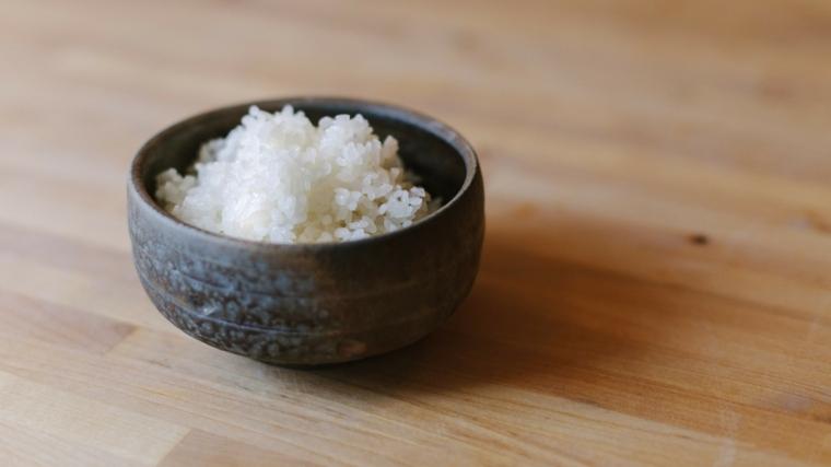 una receta de cocina-preparar-arroz-sushi-principiantes