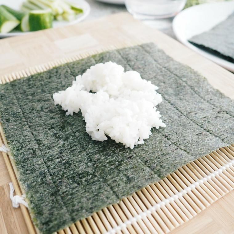 una receta de cocina-preparar-sushi-facil