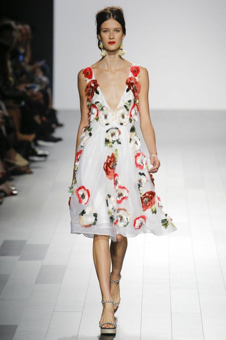 Badgley-Mischka-vestido-corto-boradado-flores