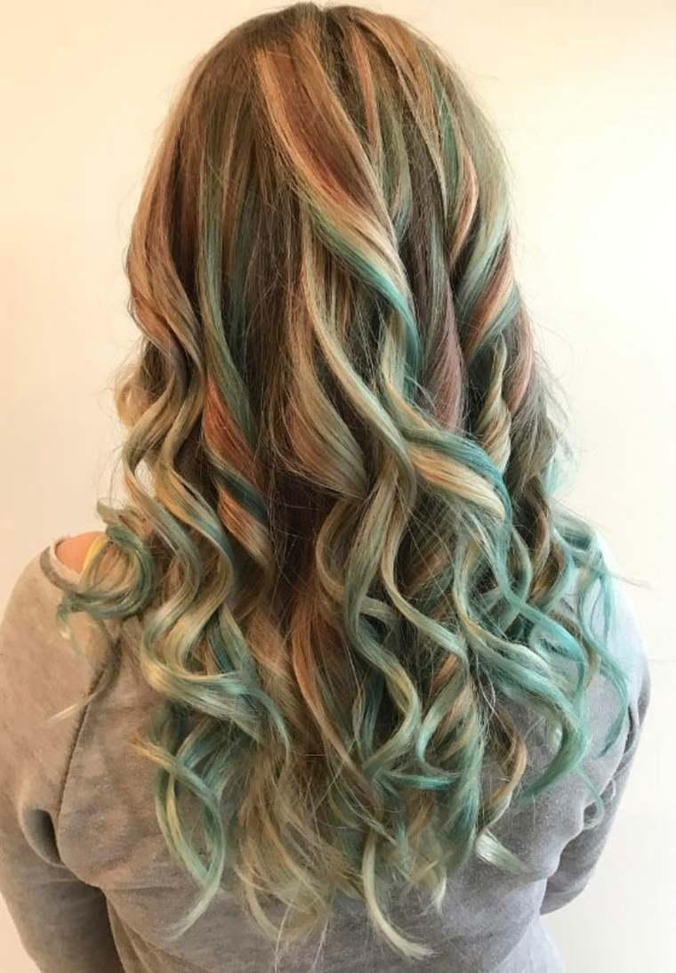 estilo cabello unicornio