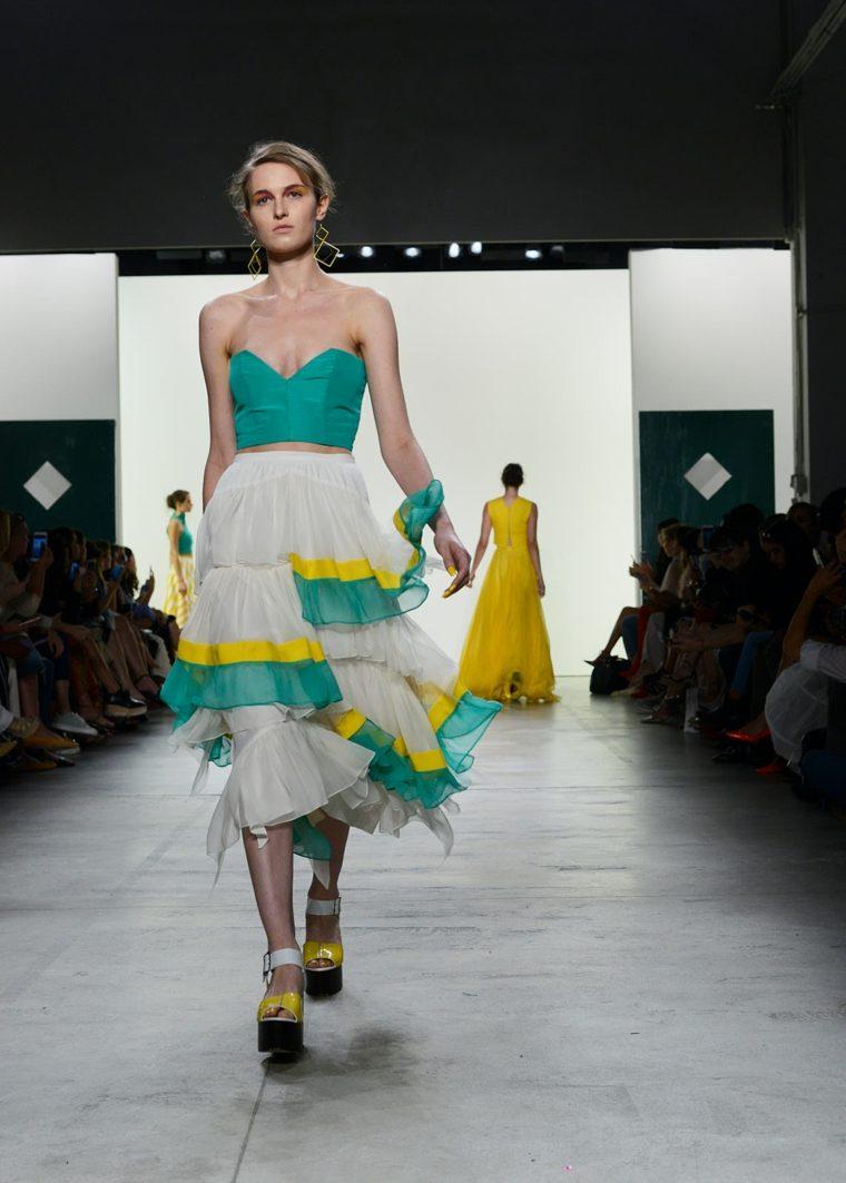 Leanne-Marshall-falda-top-diseno