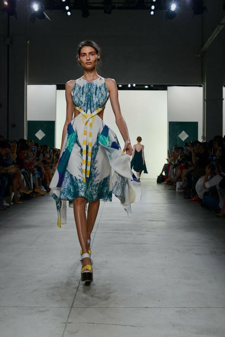 Leanne-Marshall-vestido-combinacion-colores