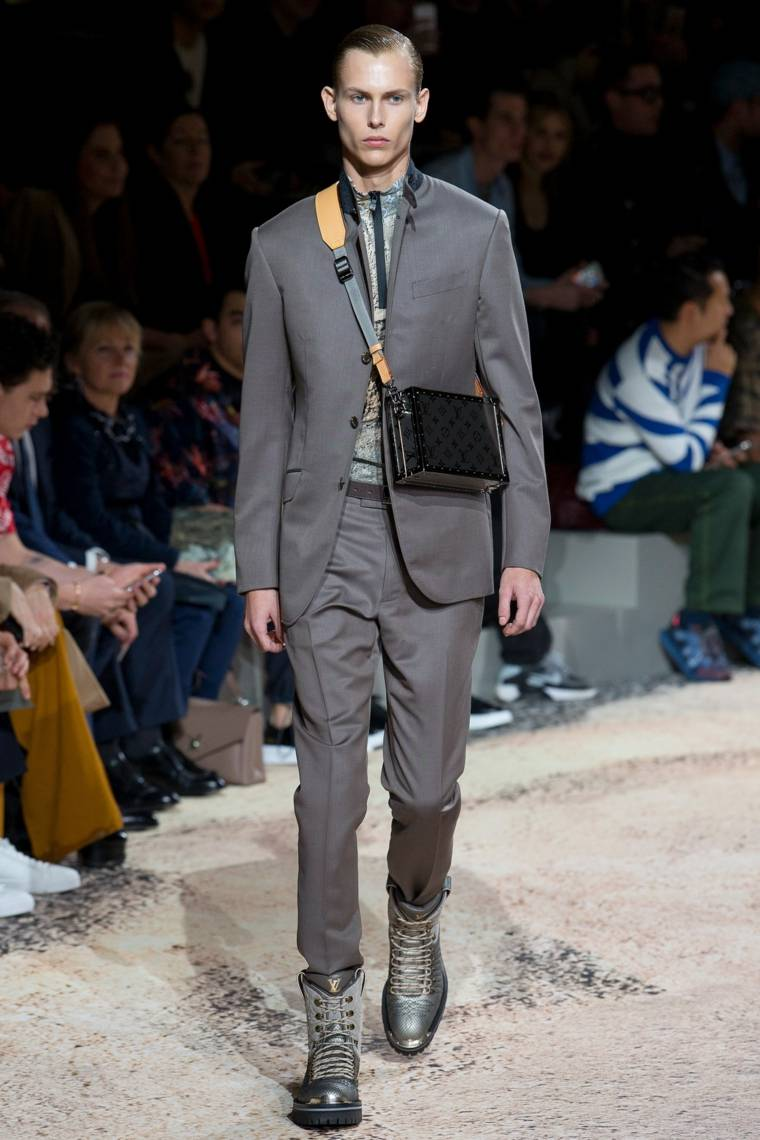 Louis-Vuitton-diseno-original-traje-color-gris