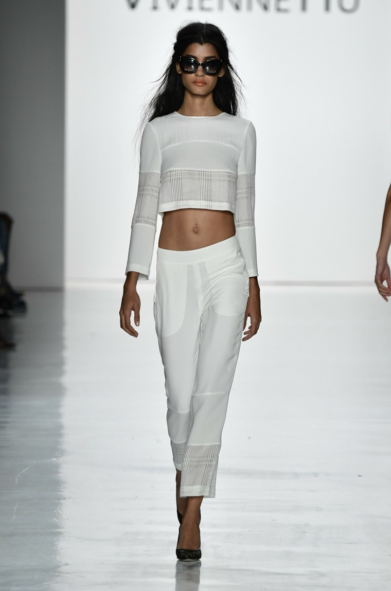 Vivienne-Hu-pantalones-tendencias-moda-primavera-verano