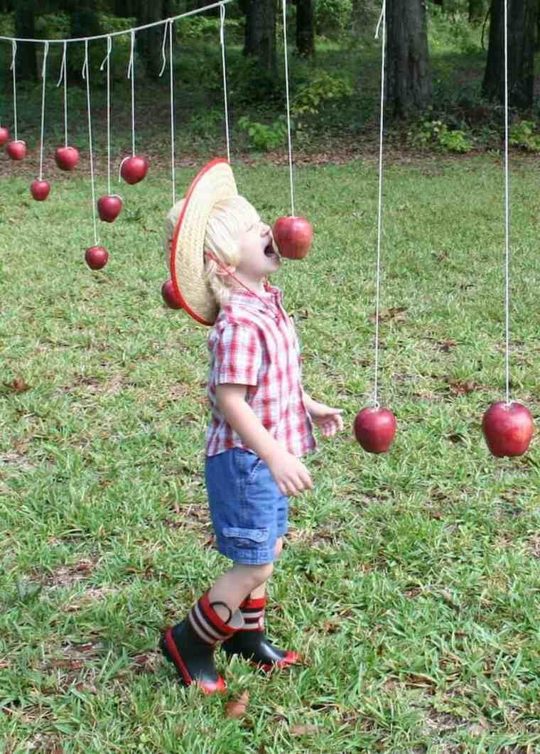 Atrapa la manzana sin usar las manos