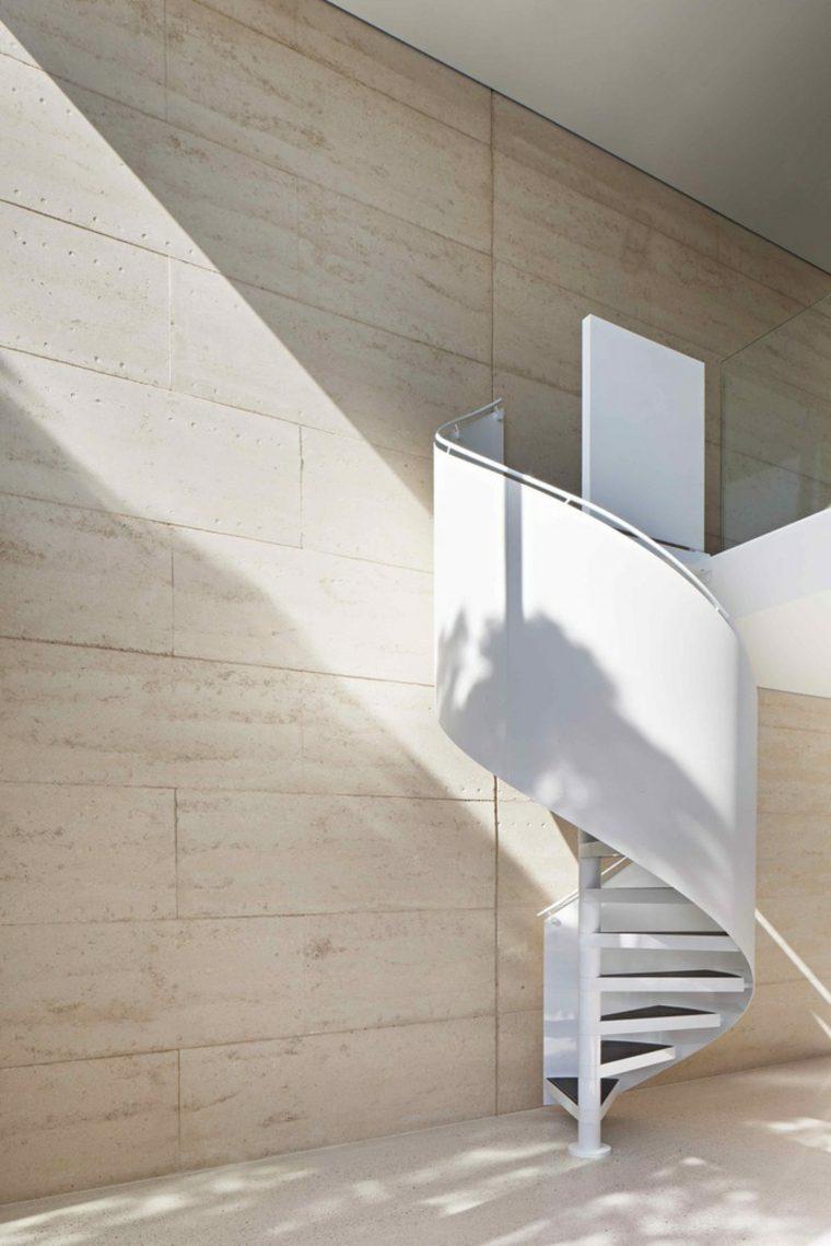 arquitectura-moderna-con-tierra-comprimida