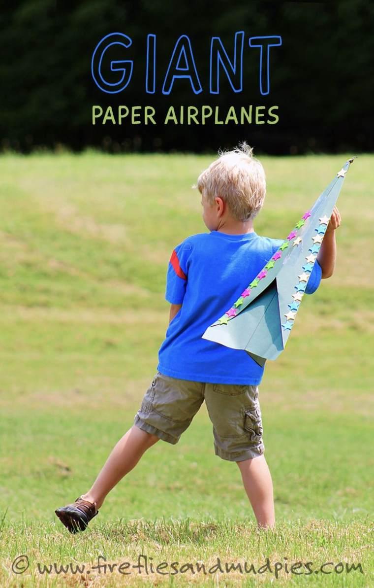Aviones de papel gigantes