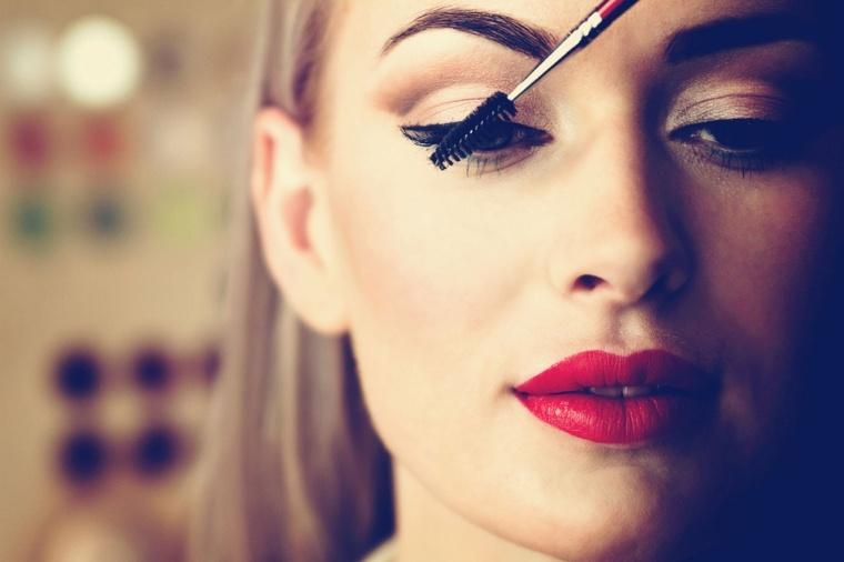 base de maquillaje-moderno-verano