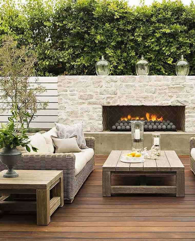terraza con chimenea moderna