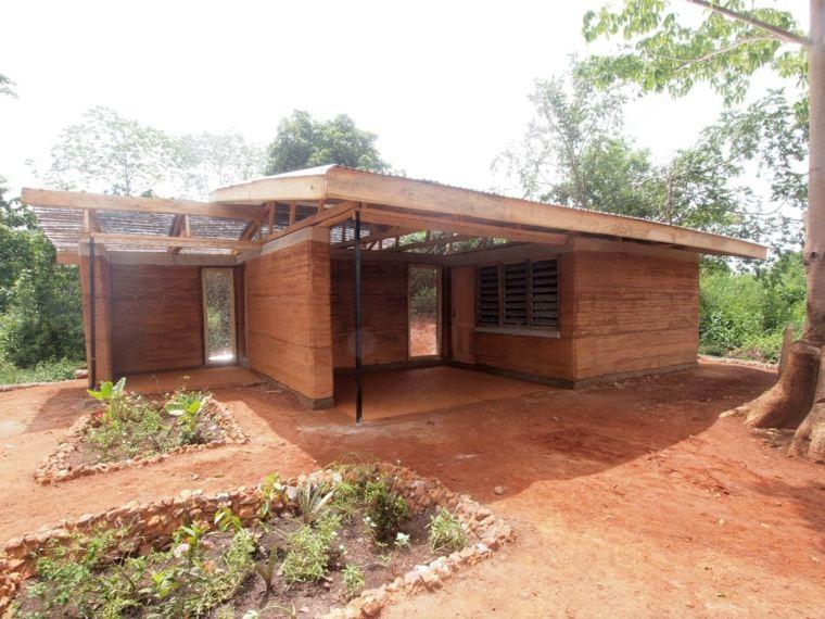 casa-rural-de-tierra-comprimida