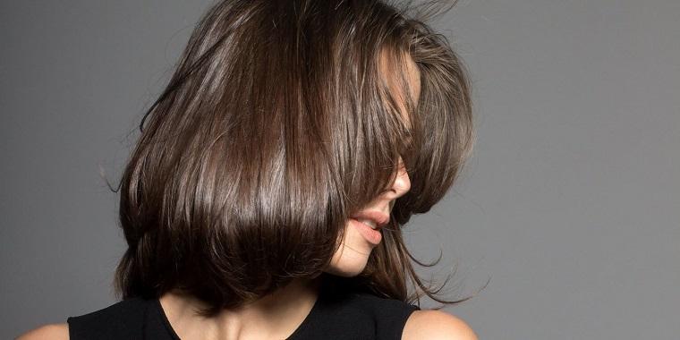 colores-de-cabello-de-moda-2018-ideas-castano-natural