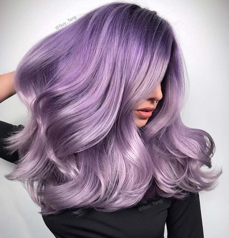 colores-de-cabello-de-moda-2018-ideas-purpura-bello