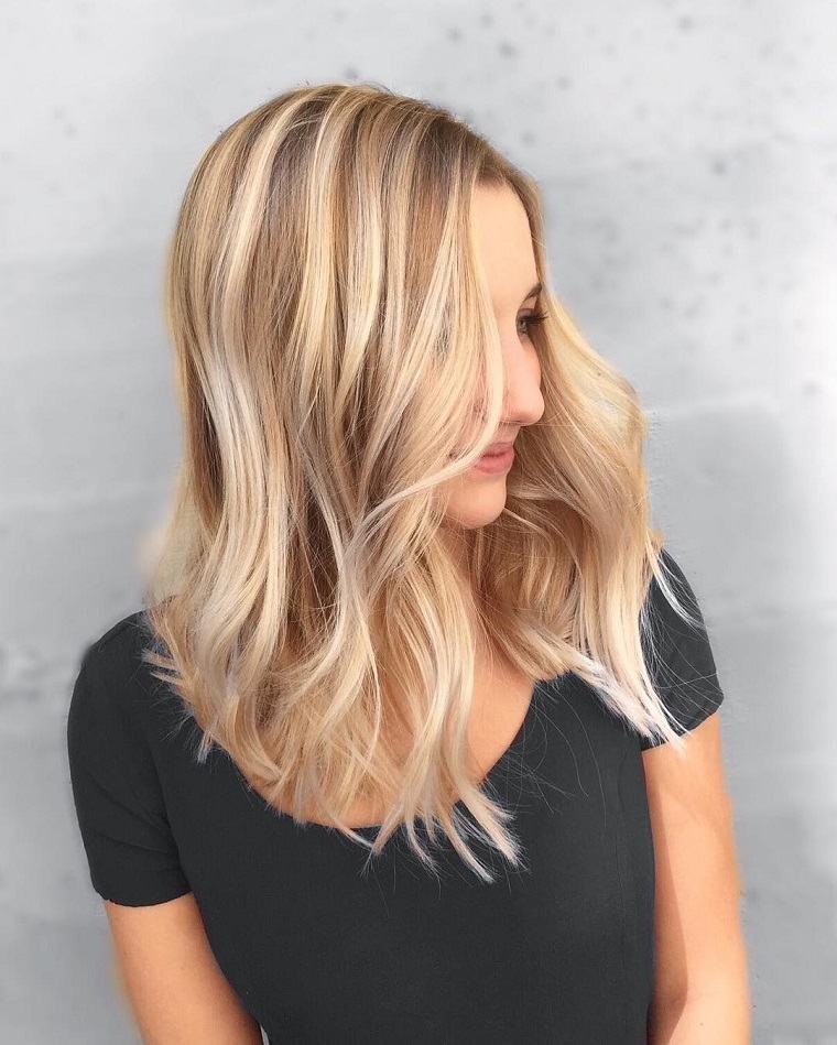 colores-de-cabello-de-moda-2018-ideas-rubio-arena-estilo