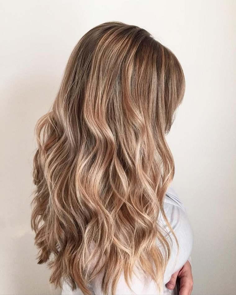colores-de-cabello-de-moda-2018-ideas-rubio-arena-moderno-original