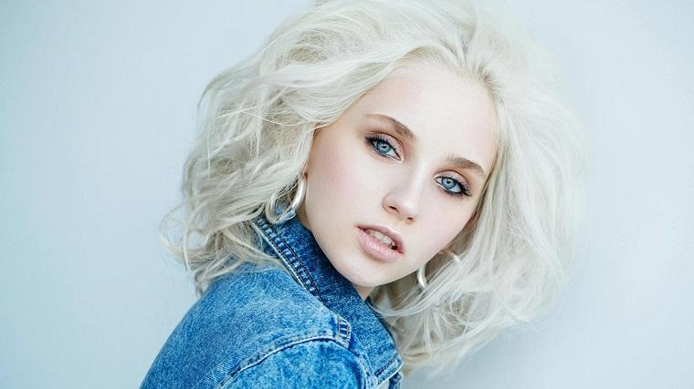 colores de cabello de moda 2018-ideas-rubio-platino-estilo-moderno