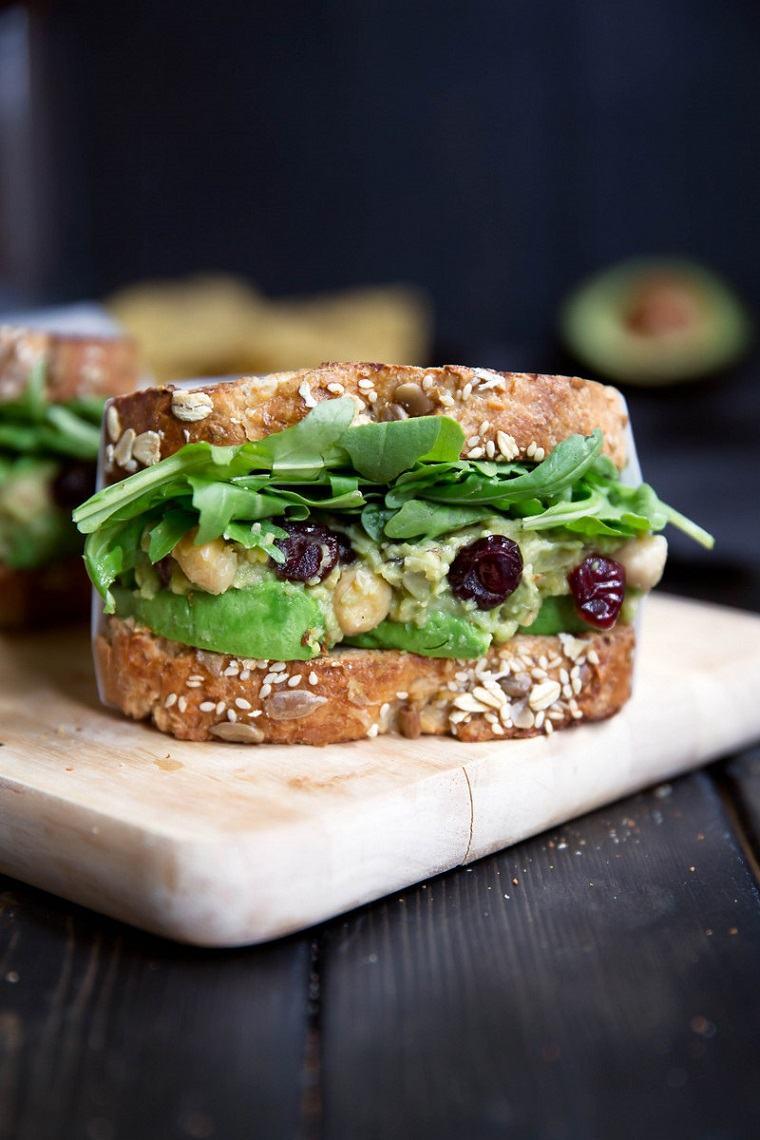 comida-rica-vegana-Sandwiches-aguacate