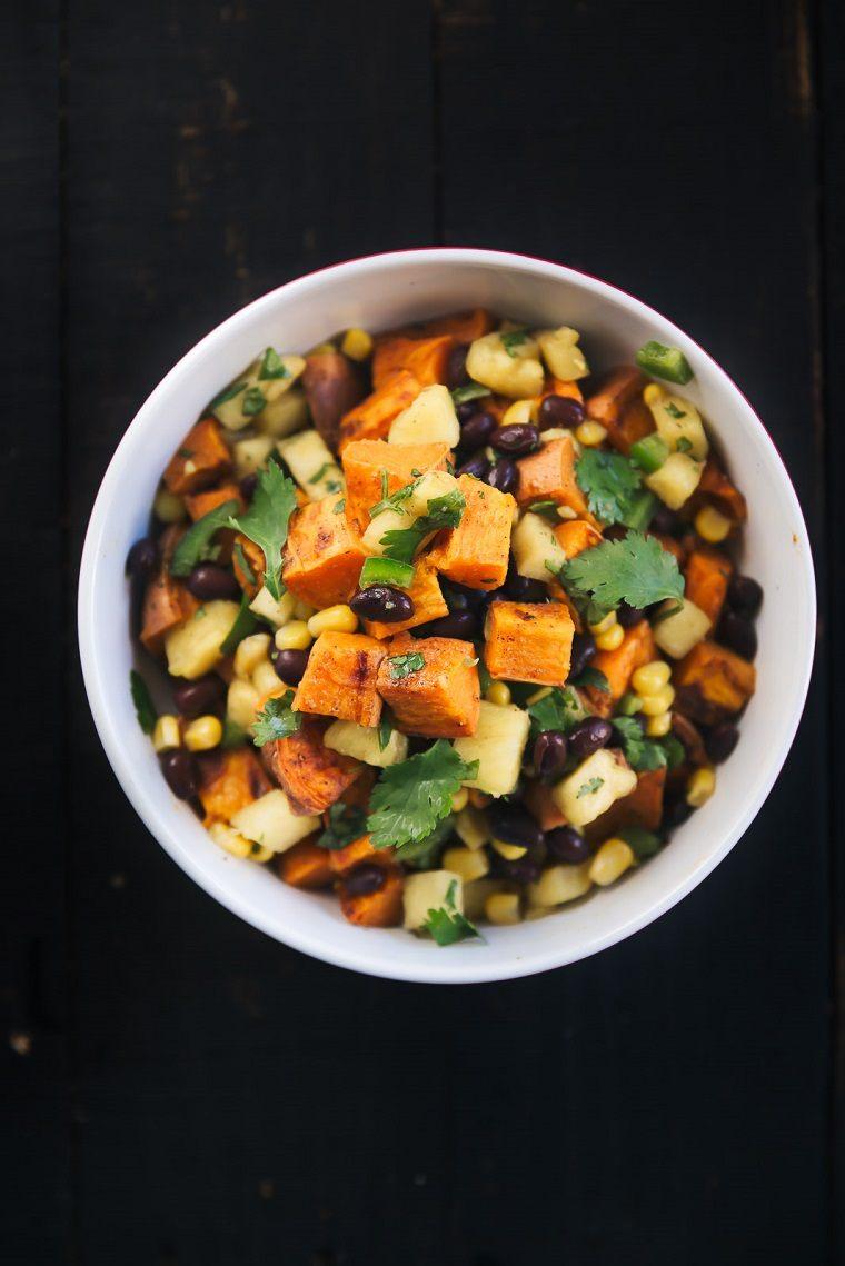 comida-vegana-recetas-faciles-opciones-ensalada-patata-dulce-ideas
