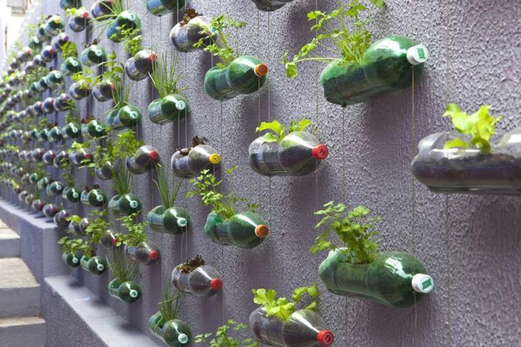 como hacer un jardin-vertical-botellas