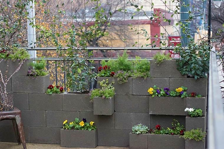 como hacer un jardin-vertical-cemento
