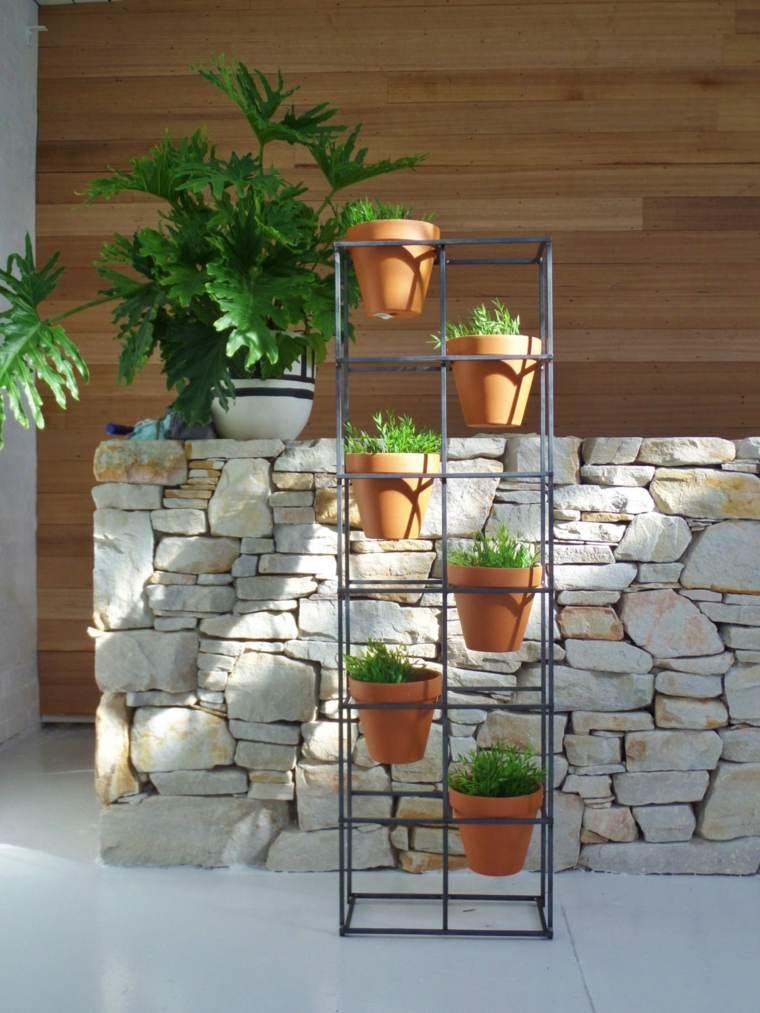 como hacer un jardin-vertical-escalera
