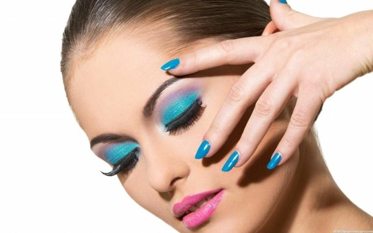 consejos de maquillaje-azul-verano