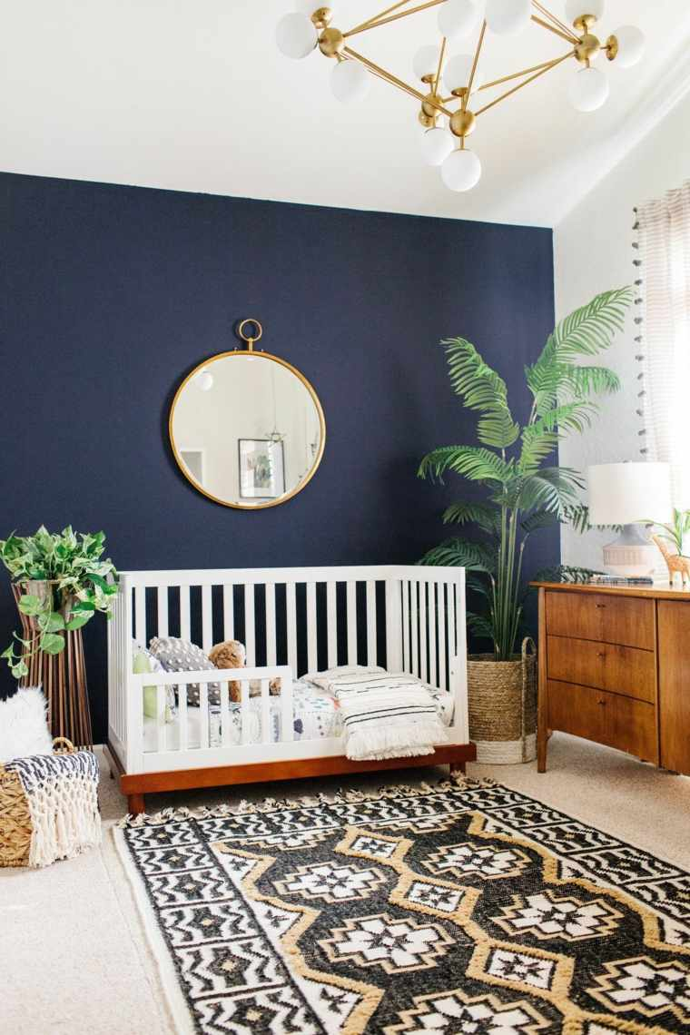 decoracion-de-cuarto-de-bebe-estilo-tropical-pared-azul