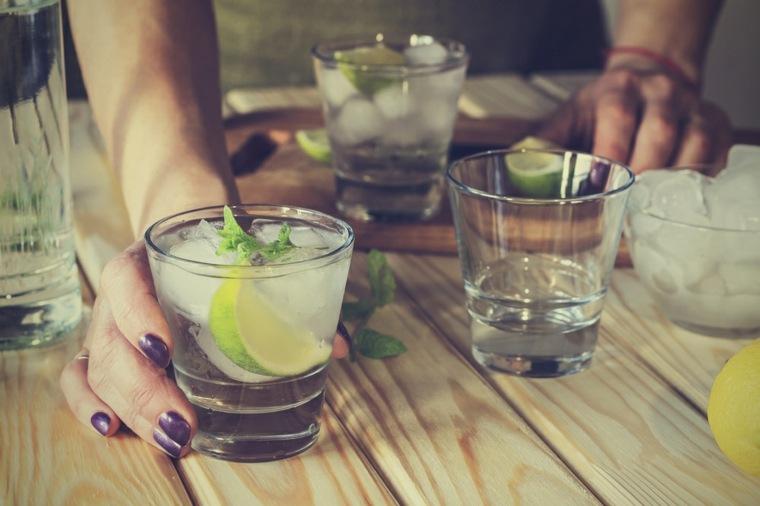 el alcohol-picaduras-mosquitos