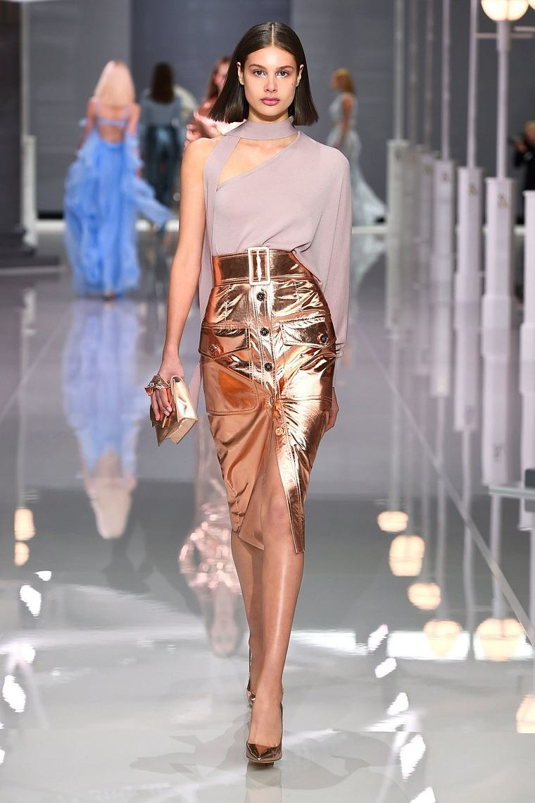 falda-moda-2018-opciones-cuero-dorado